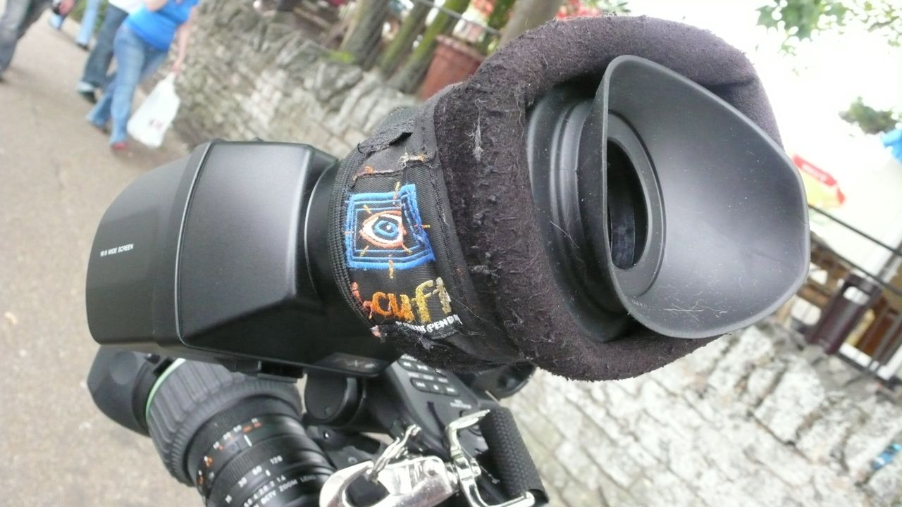 Viewfinder with the icuff on