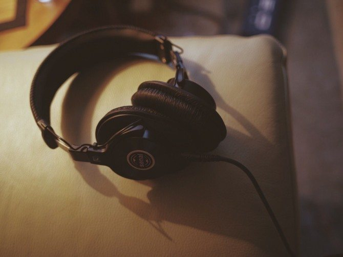 I monitored audio through these excellent Senal headphone s