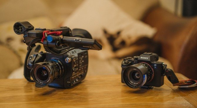 FS5 and A7S II side by side